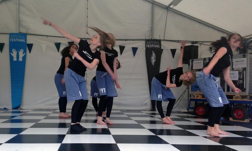 Flux Dance Theatre: Weaving science into dance